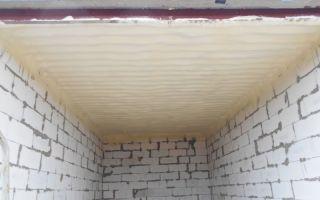 Как внутри гаража отделать потолок