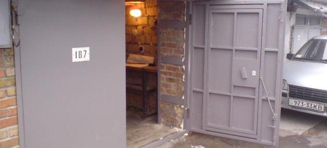 Распашные ворота для гаража своими руками: производство и монтаж