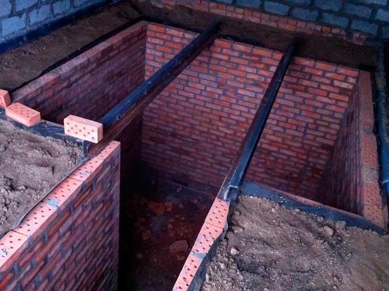 Кирпичная конструкция подвала гаража