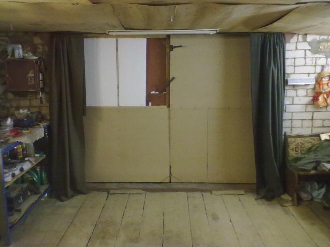 Тканевые шторы для гаража