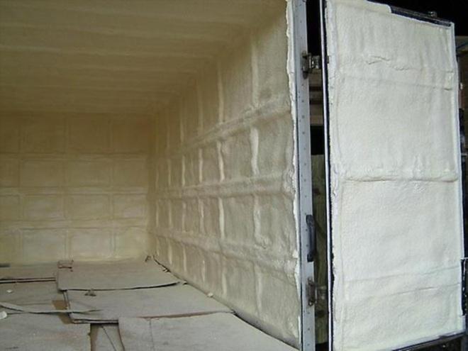 Утепление ворот гаража монтажной пеной