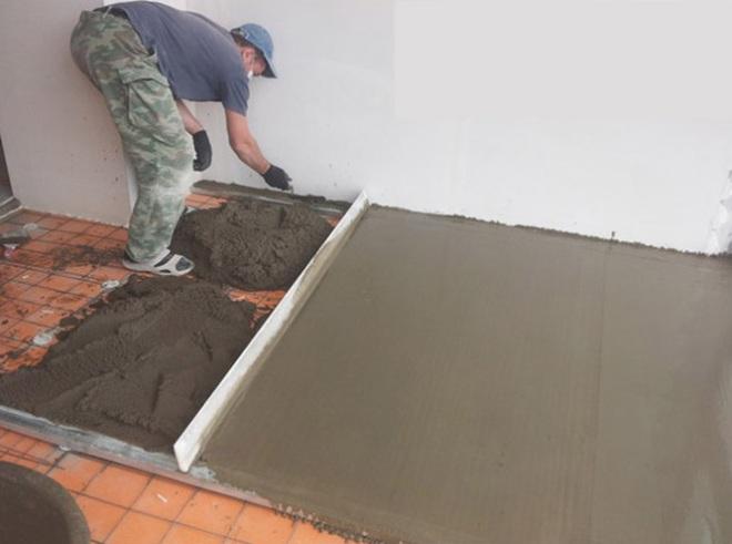Укладка песочно-цементной стяжки