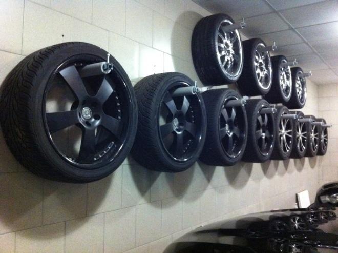 Вариант хранения колес на дисках