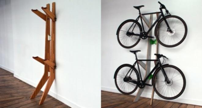Вариант полки для хранения велосипеда в гараже