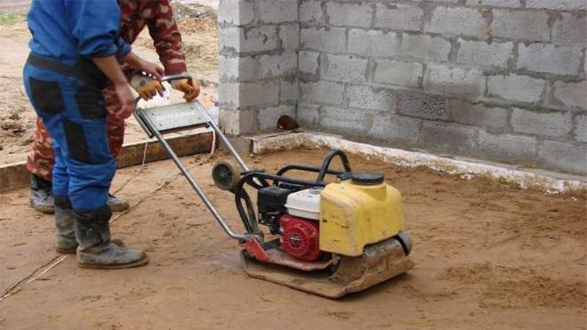 Укладка слоя песка