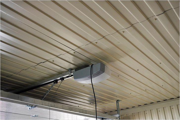 Отделка потолка гаража металическим покрытием