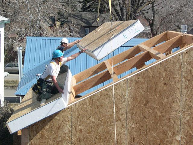 монтаж крыши гаража