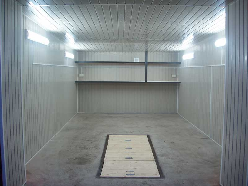 Яркое освещение в гараже