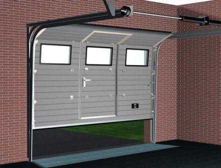 рулонные ворота с дверями в гараж