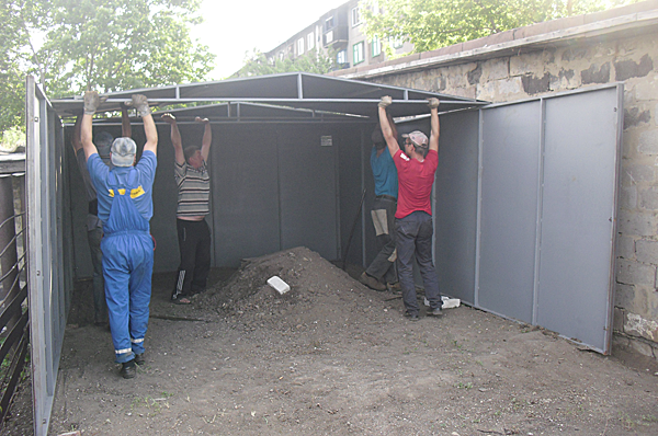 На что поставить железный гараж фундамент купить гараж челябинск кооператив лада
