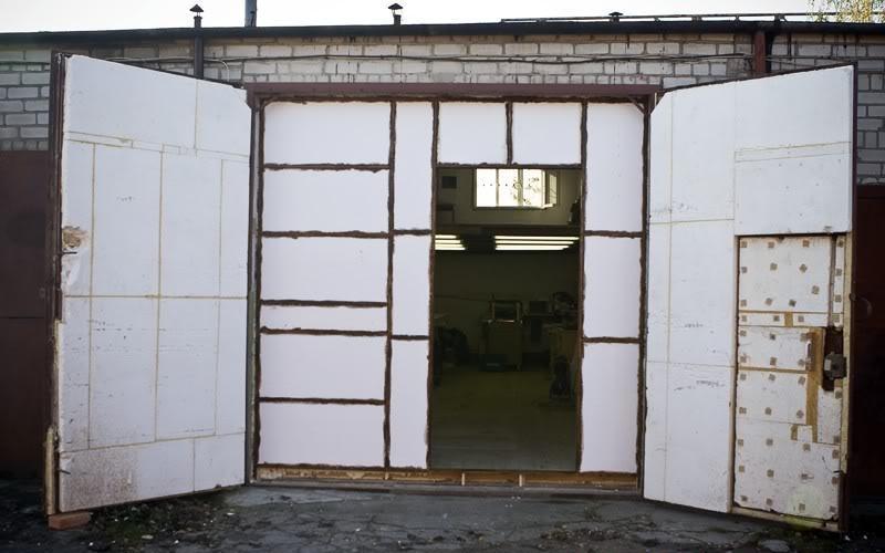 Как утеплить гаражные двери