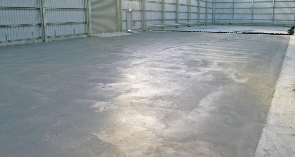 бетонный пол в гаражее