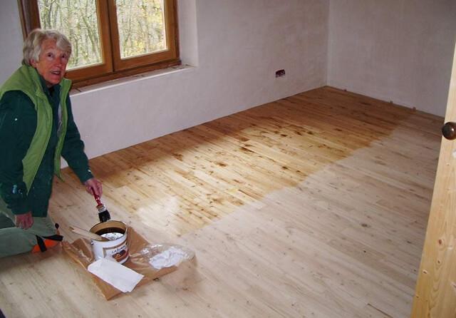 Как покрыть деревянный